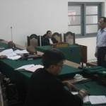 Terdakwa Bambang Is Sutopo saat mendengar putusan hakim PN Surakarta