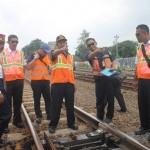 Wakadaop Tengah melakukan sidak di stasiun Purwosari Solo / Foto: Koranjuri