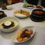 Salah satu menu masakan di restauran Kimci Korea / foto : Koranjuri