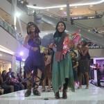 Indrias Senthir dalam Lurik Fashion Ethnic/ Foto: Koranjuri
