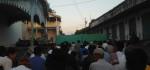Warga Kota Solo Gelar Sholad Idul Adha Di Depan Kraton