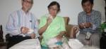 Dosen UNIBA Surakarta Temukan Budidaya Ulat Sutera Pemakan Daun Singkong Untuk Kain Sutera