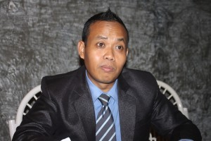 Didik Mulato Direktur Trading Invoice saat memberikan keterangan di hadapan awak media/ Foto : Djoko Judiantoro: Koranjuri.com